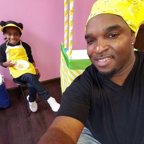 #FatherhoodIsLit Lemonade Stand Living